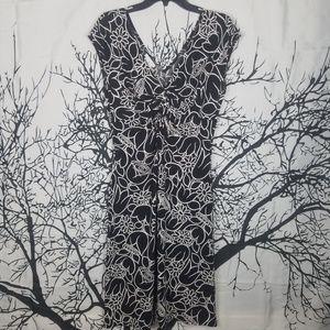 London Times   Black & White Floral Dress  size 10